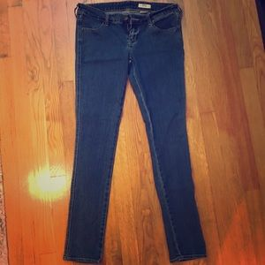 H&M SQIN Low Waist Slim Leg Jeans - 30 x 32